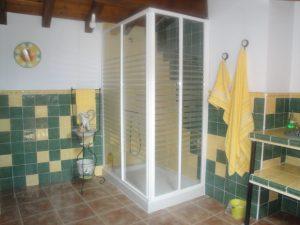 Detalle baño dormitorio arriba